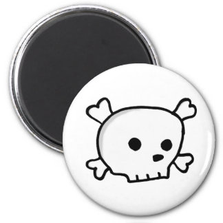 Wee pirate skull 2 inch round magnet