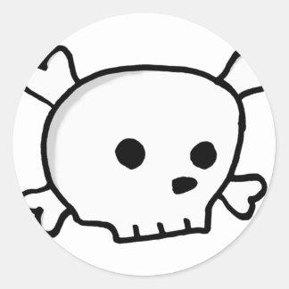 Wee pirate skull classic round sticker