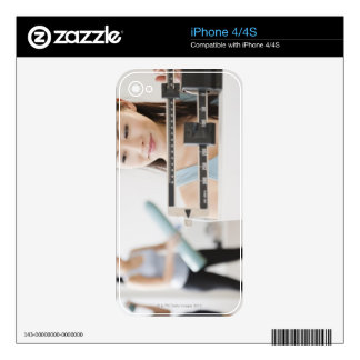 Weigh-In Skin For The iPhone 4S