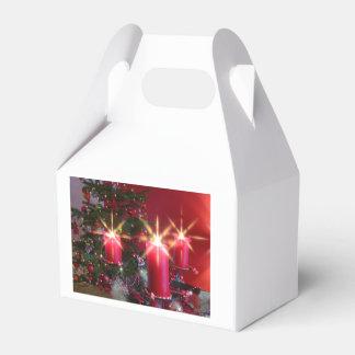 Weihnacht, adviento, candelas ardientes rosas feri caja para regalos