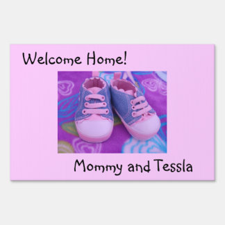 Welcome Home Mommy & Baby outdoor Lawn sign Shoes