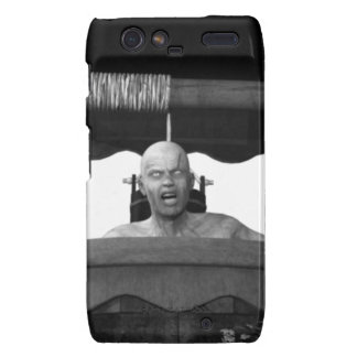 Well with a Zombie B&W Droid RAZR Cover