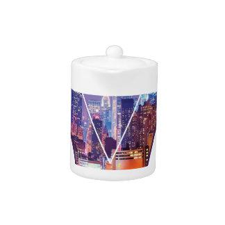 Wellcoda Urban City Soul Life Sky Line Love Teapot