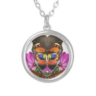 Wellcoda Wild Animal Paradise Pearl Clam Round Pendant Necklace