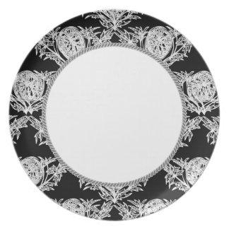 West_Indie's_Black & White Dinner Plate