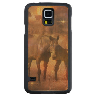 Western Horses Grazing Carved® Maple Galaxy S5 Slim Case