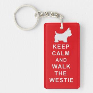 Westie guarda el regalo de Navidad tranquilo del c Llavero Rectangular Acrílico A Una Cara