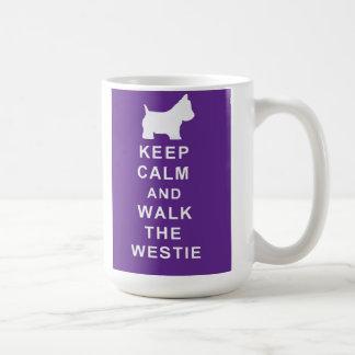 Westie precioso guarda cumpleaños tranquilo de la taza clásica