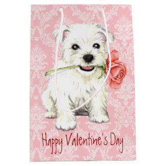 Westie subió tarjeta del día de San Valentín Bolsa De Regalo Mediana