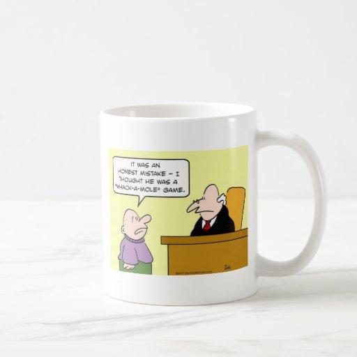 whack del juez un error honesto del juego del topo tazas de café
