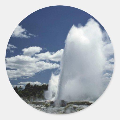 Whakarewarewa, Pohutu geyser, Rotorua, New Zealand Classic Round Sticker