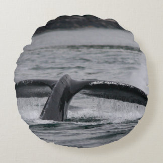 whale round pillow