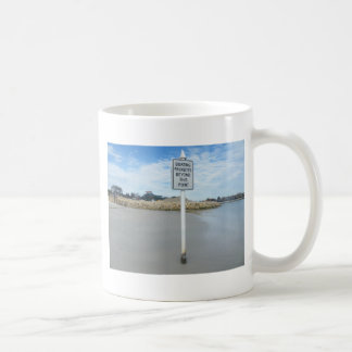 What a stupid sign coffee mug