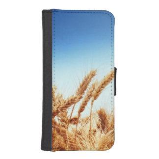 Wheat field against blue sky iPhone 5 wallet case