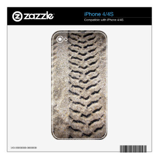 Wheel prints decal for the iPhone 4
