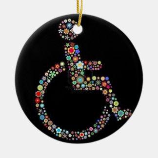 wheelchair_funky_zazzle.jpeg adorno navideño redondo de cerámica