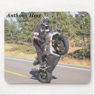 Wheelies de Anthony Heer Alfombrillas De Ratones