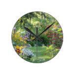 Where Three Gardens Meet Round Clock