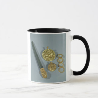 Whetstone and rings with granulated decoration, Su Mug