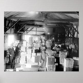 Whisky de contrabando Warehouse, 1920 Póster