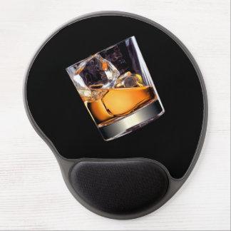 Whisky en el cojín de ratón del gel de las rocas alfombrilla con gel