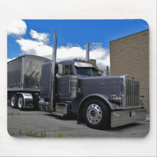 Whisler's Peterbilt 379 Mousepad