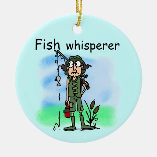 Whisperer de los pescados adorno navideño redondo de cerámica