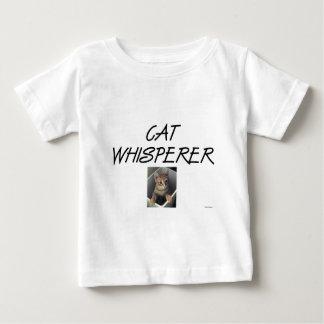 Whisperer del gato con Ollie Tshirts