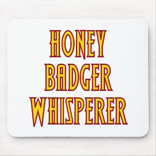 Whisperer del tejón de miel tapetes de ratón