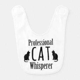 Whisperer profesional del gato babero de bebé