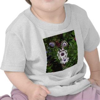 White African Daisy T-shirt