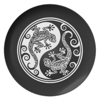 White and Black Yin Yang Lizards Party Plate