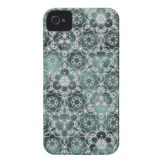White and cloudy mint triangular pattern Case-Mate iPhone 4 case