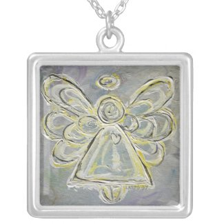 White and Silver Pendant Necklace