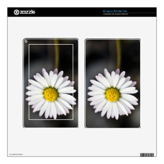 White and yellow daisy skin for kindle fire