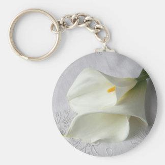 white calla lilies round keychain