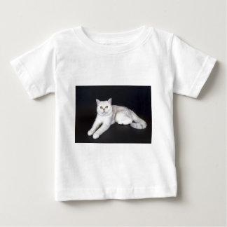 White cat lying on isolated black background baby T-Shirt
