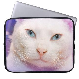 WHITE CAT WITH BLUE EYES LAPTOP SLEEVE