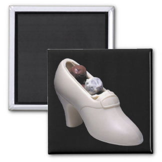 White chocolate shoe with truffles magnet