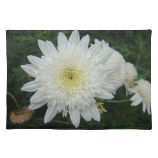 White Chrysthemum Daisy Placemat