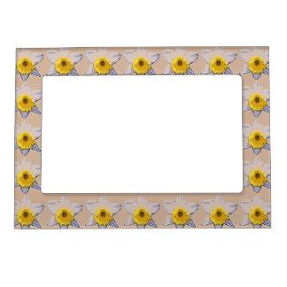 White Daffodil Magnetic Frame (Beige)