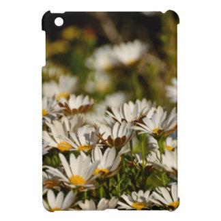 white daisies case for the iPad mini