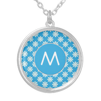 White daisies on baby blue background round pendant necklace