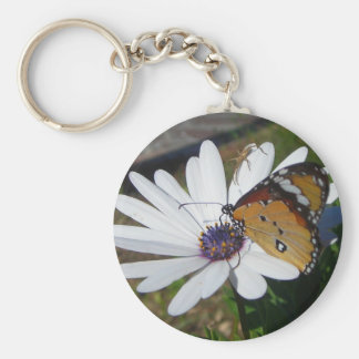White Daisy and Butterfly Basic Round Button Keychain