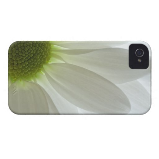White Daisy Petals iPhone 4 Case-Mate Barely There