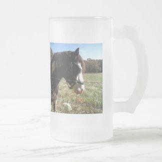 &White de Brown, caballo pintado, flor del cordón Taza De Cristal