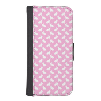 White Easter Bunnies on Pink iPhone SE/5/5s Wallet Case
