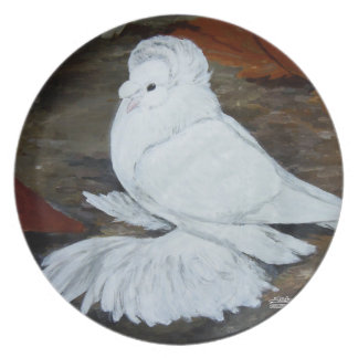 White English Trumpeter Plate