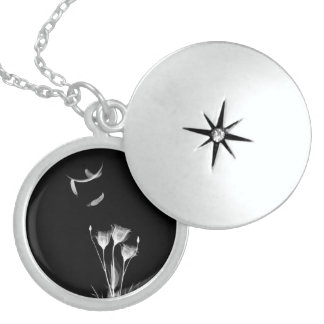white flower and angel feathers necklace