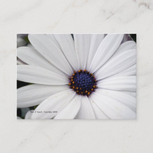 White Flower With Blue Center Business Card Zazzle